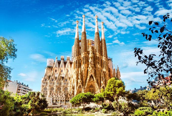Испания - одна из самых посещаемых туристами стран мира